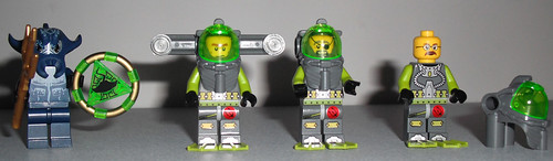 lego-atlantis-8075-neptune-carrier-minifigs