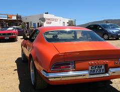 Orange Pontiac Firebird (Colorado Sands) Tags: orange cars bar southafrica voiture firebird pontiac ronnie ronnies za touristattraction hangout wateringhole karoo route62 pontiacfirebird cultbar kleinkaroo barrydale ronniessexshop localhangout bikerbars ronnieprice caperoute62 cfm18731