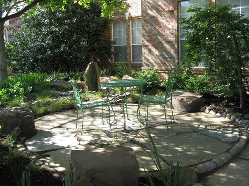 Frontyard landscaping dallas