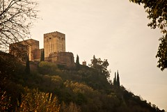 Alhambra de lejos (Txema Len) Tags: espaa alhambra granada paseodelostristes andalucia espana