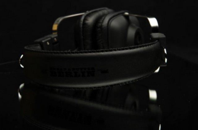 wesc-bbb-headphones-4-540x356