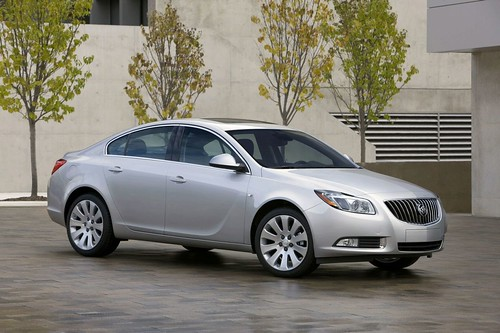 Buick Lacrosse Cxs 2011. review-2011-Buick-Regal-and-