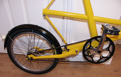Stower three (Tilly Veedub 25) Tags: bicycle suspension 1960s foldingbike stowaway moulton moultonbicycle yellowbicycle designicon separable ibexx