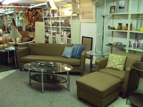 Contemporary Brown Vinyl Furniture Set