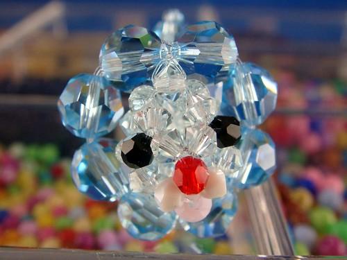 串珠水晶奶油波堤獅
