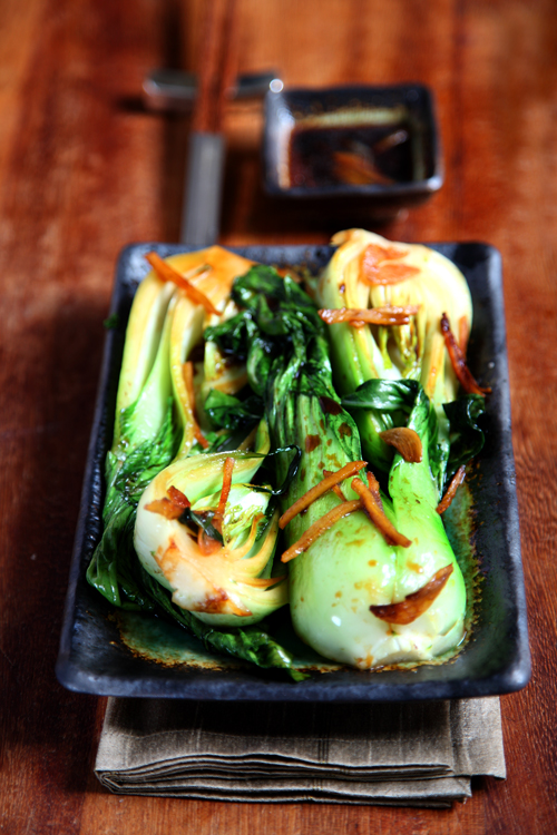 :: Ginger and Garlic Braised Bok Choy