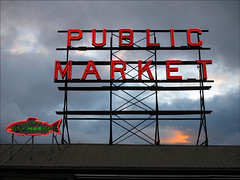 Public Market (Dutch Dennis) Tags: seattle sunset usa fish tourism nature sign canon neon market powershot roermond pikestreet publicmarket g11