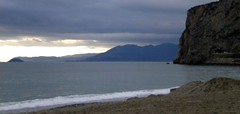 before the rain (ab360gradi) Tags: italien sea italy cliff cloud mer storm beach water rain rock barn rural umbrella sand mediterranean italia nuvole mare blu farm liguria azure pluie bluesky beachlife bleu porto rainy thunderstorm seafront vela paysage asymmetry hush rocce acqua inverno azzurro pioggia plage spiaggia italie sv photographing preservation obscurit sabbia temporale beforetherain scogliera temporel mditerrane ulivo finaleligure fotografando bitta  wherever scoglio ligurien albisola ponente piovoso pigato southeurope ponenteligure countrylandscapes mareligure purelynature ab360gradi annibalebarone