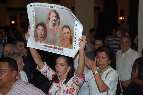 Protesta en salon Caonabo del Hotel SD