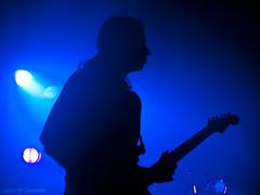 Blue guitar (Gonzak) Tags: blue music azul banda uruguay guitar guitarra band olympus toque musica verano silueta montevideo gettyimages 2010 rambla cursi pocitos kibon e500 gonzak useta