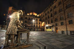 Plaza del Poeta Iglesias, Salamanca (Spain), HDR (marcp_dmoz) Tags: lighting plaza espaa statue photoshop spain nikon nightshot map nocturna salamanca nikkor 1735mmf28d plazamayor estatua tone hdr spanien beleuchtung iluminacion nachtaufnahme castillayleon photomatix tonemapping d700 tonempapped castilleandleon kastilienundleon poetaiglesias
