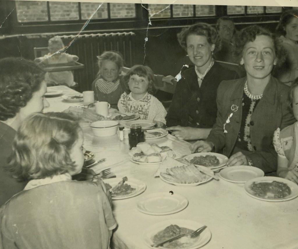 Betty Watt and Her Daughter Marlene, Dunoon 1954