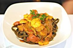 Tagliolini with scallops in spicy tomato sauce, Ricciotti