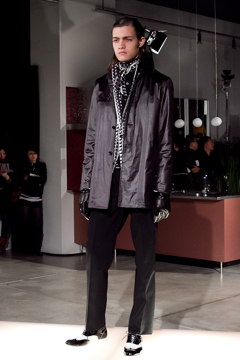Marcel Castenmiller3040_FW10_JFW_WHEREABOUTS