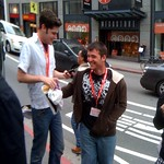 A couple of @wondercon @digg fans jumping up & down bc they see @kevinrose in the #ipad line thumbnail