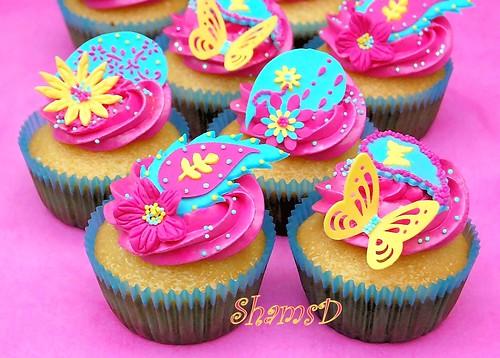 Funky Paisley Cupcakes