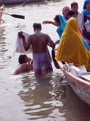 Bathing Couple-1.1 Varanasi (amiableguyforyou) Tags: india men up river underwear varanasi bathing dhoti oldmen ganges banaras benaras suriya uttarpradesh ritualbath hindus panche bathingghats ritualbathing langoti dhotar langota