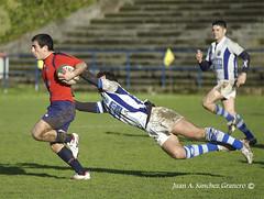Vuelo rasante (juangranero) Tags: espaa spain nikon rugby d70s asturias aviles vigo asturies belenos