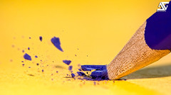 Oops !!! i did it again (A.G. Photographe) Tags: blue france color macro yellow pencil jaune nikon mine bleu crayon nikkor franais min couleur matita vr lapis anto grafite 105mm xiii carbone sketcher crayondecouleur temperino leadpencil platinumphoto anawesomeshot d700 flickrdiamond discoveryphotos dblringexcellence stunningphotogpin