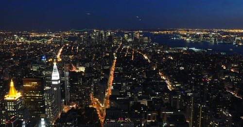 El corazón de Manhattan de noche desde el observatorio del Empire State