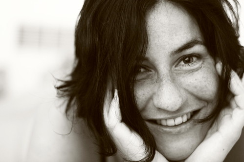 フリー写真素材, 人物, 女性, モノクロ写真, 笑顔・スマイル, フランス人,