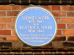 Photo of Sidney Webb and Beatrice Webb blue plaque