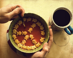 A Hearty Lunch (Boy_Wonder) Tags: coffee canon soup hands peace goldfish joel inside crackers peacefulfridays peacefulfood
