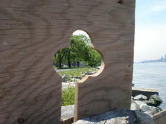 ACE OF CLUBS b - sculpture by Tom Loback (Tom Loback) Tags: nyc sculpture art manhattan originalart nytimes dada foundart landart riversidepark andygoldsworthy robertsmithson artepovera driftwoodsculpture tomloback