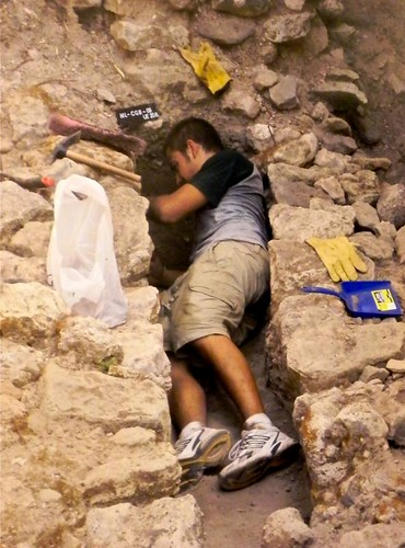 MUESTRA FOTOGRÁFICA DE LAS EXCAVACIONES EN LOS JARDINES DE LA ANTIGUA CASA DEL GOBERNADOR