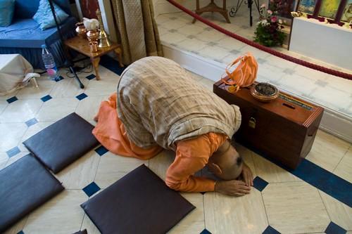 H H Bhakti Caru Swami 2010 - 0014 por ISKCON desire tree.