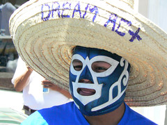 DREAM Act (xomiele) Tags: arizona news phoenix march protest protesta blogged sombrero immigration protesters debate marcha reform 1070 luchalibra protestas dreamact sb1070 altoarizona xomiele