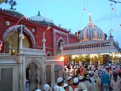 Dargah Hazrat Nizamuddin Aulia (Pirzada Siraj Madani Nizami) Tags: india saint delhi sufi hazrat dargah aulia nizami nizamuddin mehboobelahi