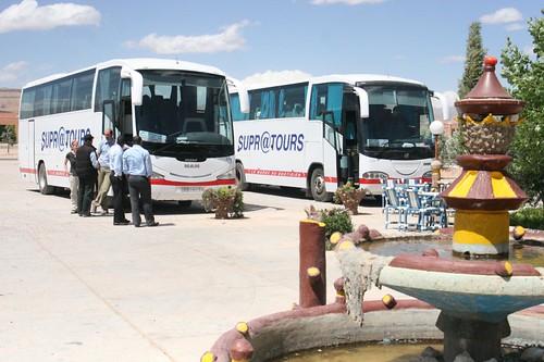Autocarro Supratours em Boumalne Dades a meio caminho de Ouarzazate e Merzouga