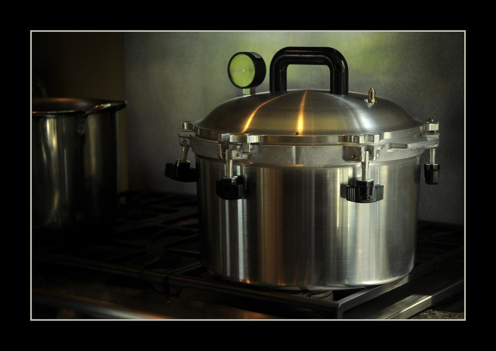 All-American 915 Pressure Cooker/Canner