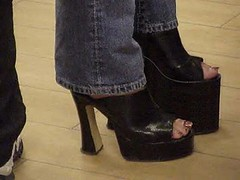 black beauty (abi111) Tags: shortleg builtuphighheel