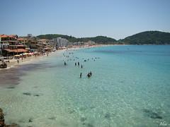 guas Cristalinas (Alex Cavalcante) Tags: ocean praia beach nature azul landscape mar scenery sony natureza paisagem prainha panormica arraialdocabo h50 topseven landscapesdreams sonydsch50 sonyh50 alexcavalcante