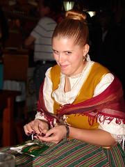Liando / Rolling (Anvica) Tags: cigarette smiles roll liar tobacco chus tabaco risas cigarrillo afz fiestasdelpilar2010