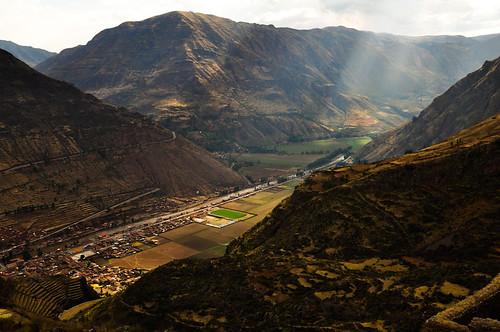 El valle sagrado y Pisac en el fondo