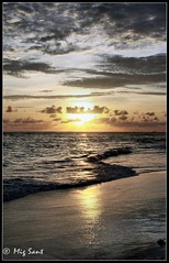 Mourning Sunrise (MSANPINO) Tags: sea beach nature clouds canon atardecer cielo nubes fotografia 450d mywinners platinumphoto flickraward flickrestrellas