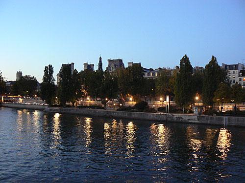 quais de seine la nuit.jpg