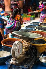 Venta de Frijoles Mercado Chichi , Guatemala (Sebhue) Tags: sincretismo mayas maya chichicastenango guatemala mercadoindigena
