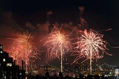 4th of July 2017 Macy's Fireworks-80 (Diacritical) Tags: brooklyn nycmacys nikond4 pattern 70200mmf28 30secatf71 july42017 85050pm f71 230mm 4thofjuly fireworks macysfireworks nyc night skyline