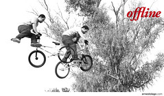 offline II (Ernesto Lago) Tags: blackandwhite bw byn blancoynegro bike sport photo blackwhite jumping rojo buenosaires cyclist noiretblanc air rder wheels bicicleta bn acrobatics ciclista deporte salto saltando grayscale extremesports morn aire offline esporte 2009 pretoebranco riders ruedas cycliste noirblanc cyclers duplicated radfahrer blanconegro akrobatik blackwhitered rodas doppelt springen pirouette ciclistas pirueta acrobacia  top20sports roues acrobatie haedo radicalsports repetido   duplicado flickraward    endouble  flickrestrellas schwarzundweis quarzoespecial rougeblancnoir schwarzweisrot rojoblanconegro  vermelhopretobranco  ernestolago