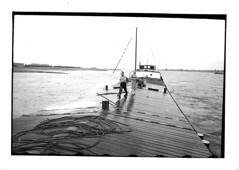 Schip boenen (Jacqueline1967) Tags: scheepvaart schippers binnenvaart binnenschippers sleepschip inlandshipping sleepvaart sheldonmachlin rijnvaart