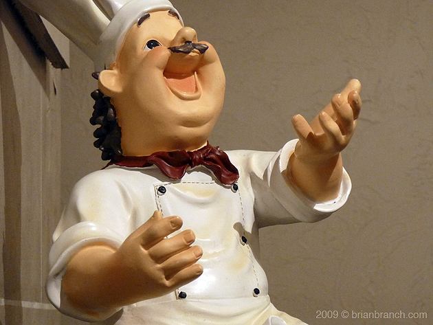 P1070358_singing_chef