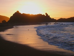 Cradle of the Sun (Thundercatt99) Tags: ocean sunset sun seascape waves dusk shore oregoncoast fogertybeach