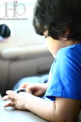 132/365 ,,, (H) Tags: blue boy car little tshirt h2o  3abdallah  3aboody   masha3el