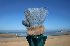 Blue (DJ Bass) Tags: blue catchycolors gloves margate lostgloves lostclothing mymargate