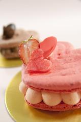 Cœur Macaron Fraise Coquelicot, Ladurée Paris, Nihonbashi Mitsukoshi