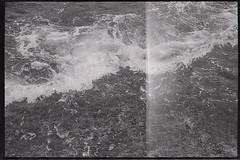 vagues (Cornlia B.) Tags: mer losangeles nb vagues californie ngatif